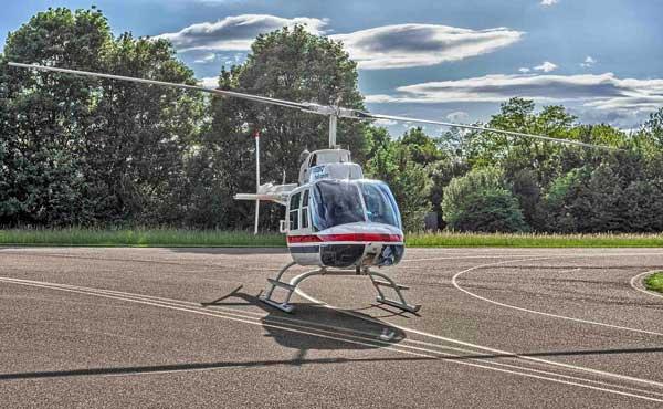 Bell 206 III Jet Ranger auf den Flugfeld Bremgarten